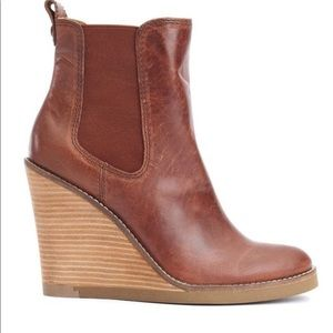 Lucky Brand Fedora wedge boot size 8 pull up